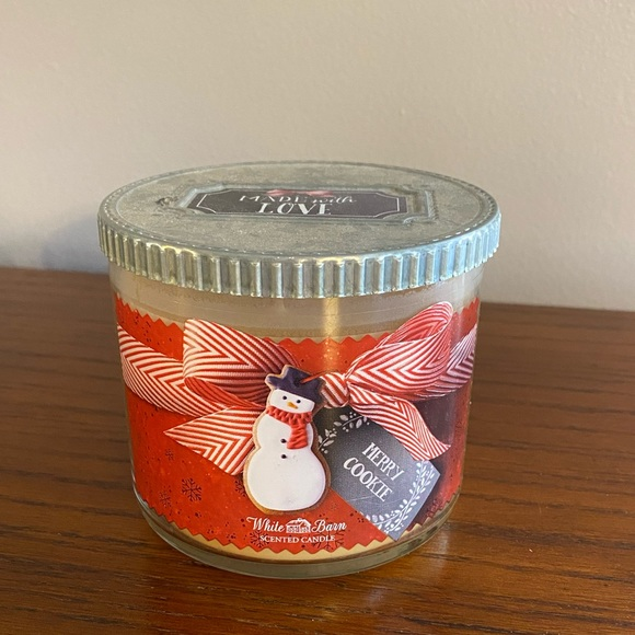 Bath & Body Works Merry Cookie jar candle